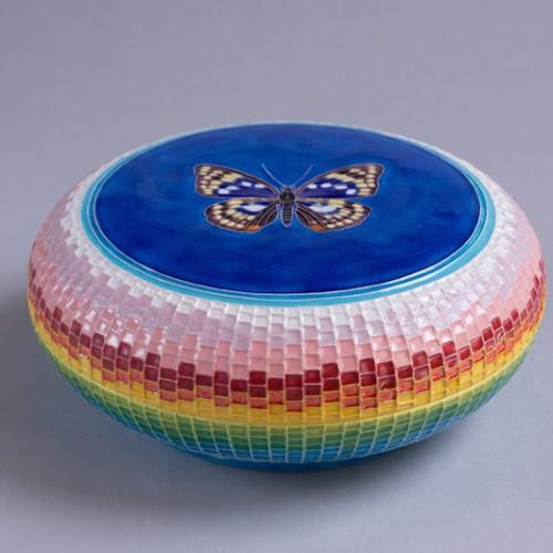 交趾オオムラサキ蝶文蓋物 Cochi Oomurakasi butterfly box (cover picture)