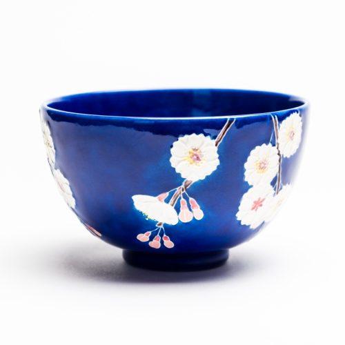 ルリ交趾八重桜茶碗 『残春』Ruri Kōchi Yae-zakura tea-bowl 'Zan-shun' Last Springtime