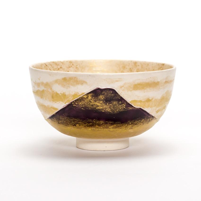 白交趾金彩金砂子富士茶碗 『秋ぎり』Shiro Kōchi Kin-sai Kin-sunago Fuji tea-bowl 'Aki-giri' AutumnMist